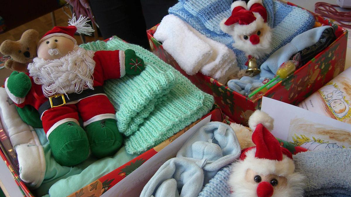 weihnachten im schuhkarton f r bed rftige kinder in. Black Bedroom Furniture Sets. Home Design Ideas