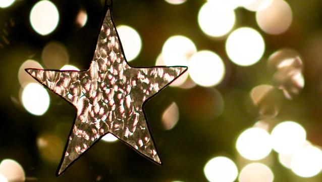christmas star ornament 1090307 wallpaper